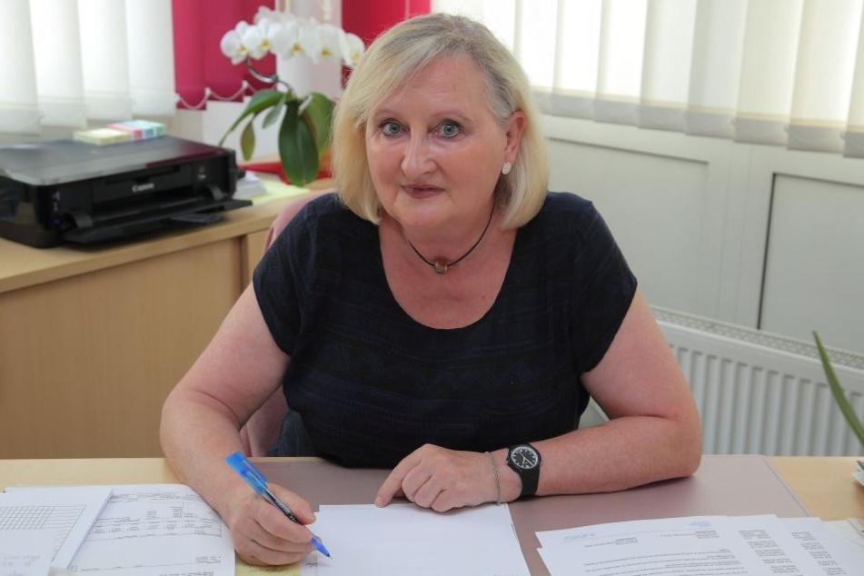 Karin Knörndel (61) vom Demokratischen Frauenbund aus Dresden, lehnte Hilfe zum  Aufbau einer selbständigen Tafel in Heidenau bisher ab.