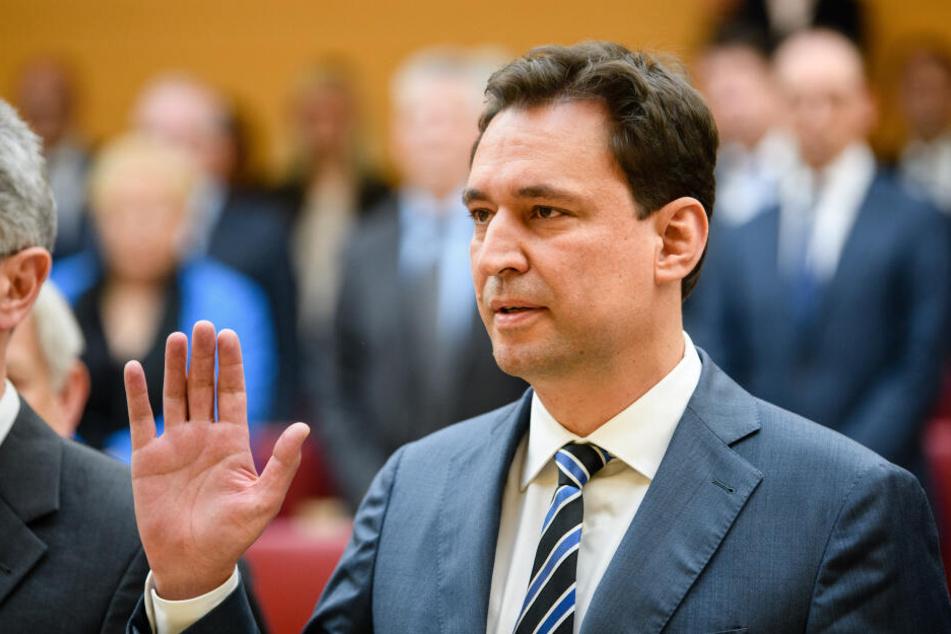 Georg Eisenreich (CSU), Justizminister, will härter Strafen gegen Beleidigungen und Verleumdungen. (Archivbild)