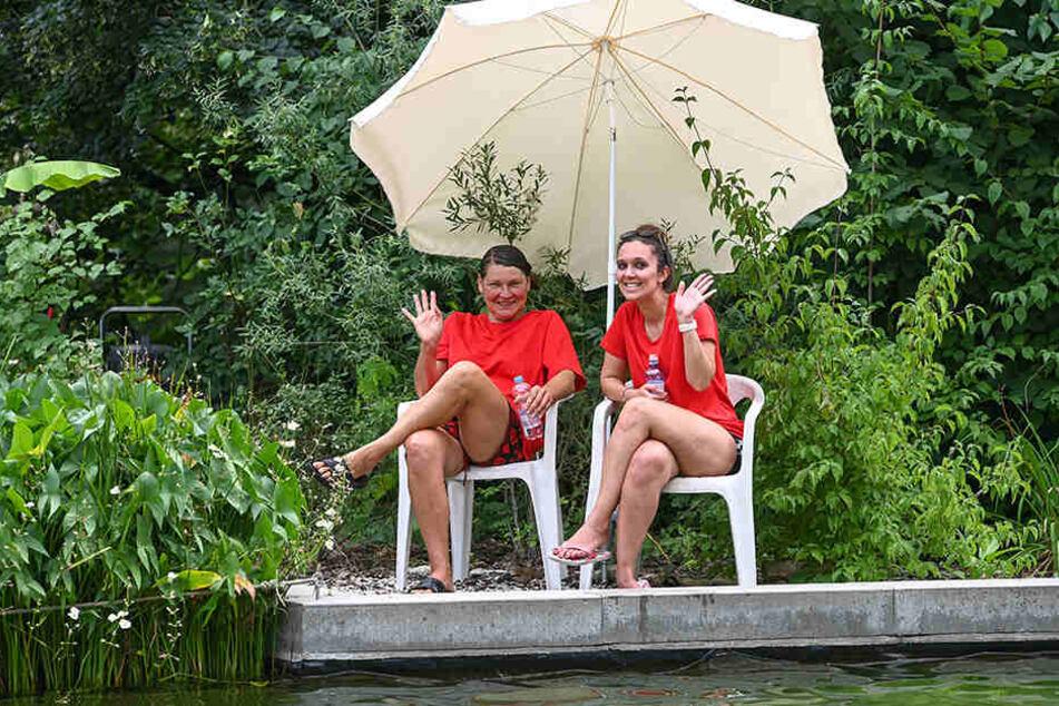 Katharina Nicht (49,l.) und Farnaz Majnoon (28) sind die Rettungsschwimmerinnen im Bad.