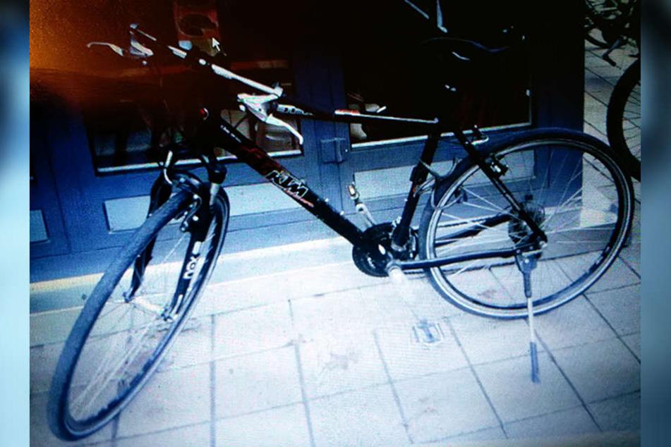 Zuletzt war er mit seinem Mountainbike der Marke KTM unterwegs.