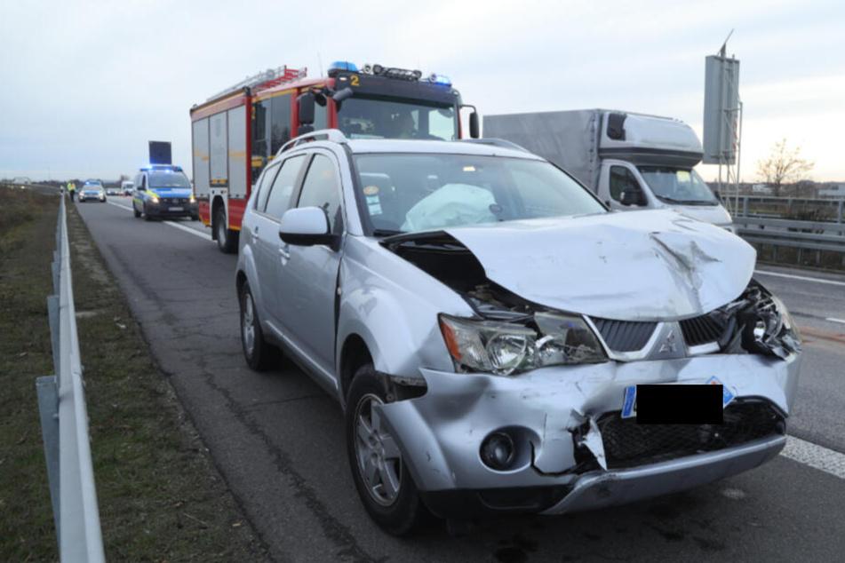 Offenbar kam es zum Auffahrunfall zwischen dem Mitsubishi (Foto) und einem vor ihm befindlichen Nissan.