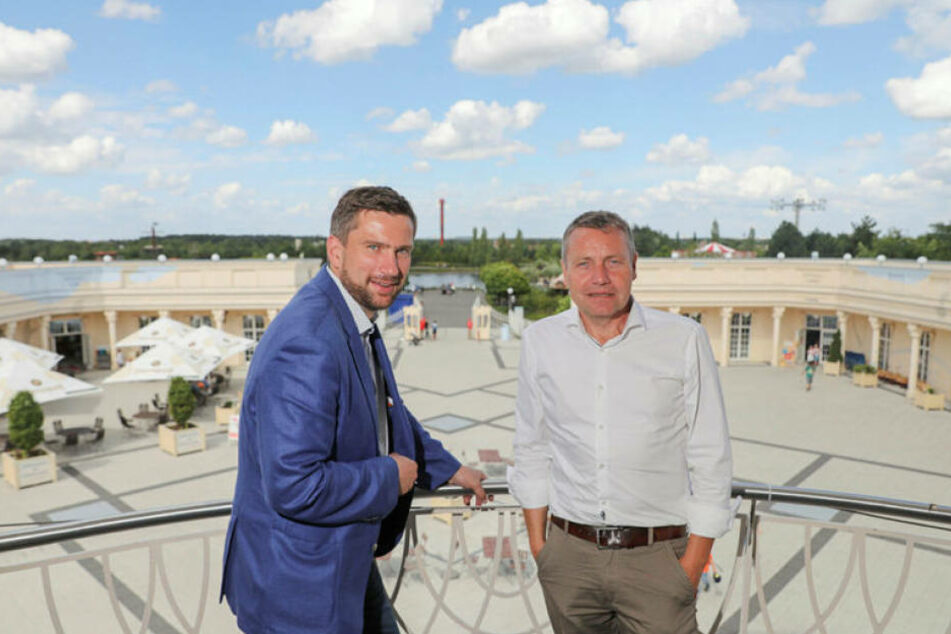 Ex-Geschäftsführer Erwin Linnenbach (r.) beim Besuch von Sachsens Wirtschaftsminister Martin Dulig. Linnenbach hat seine Anteile nun abgegeben.