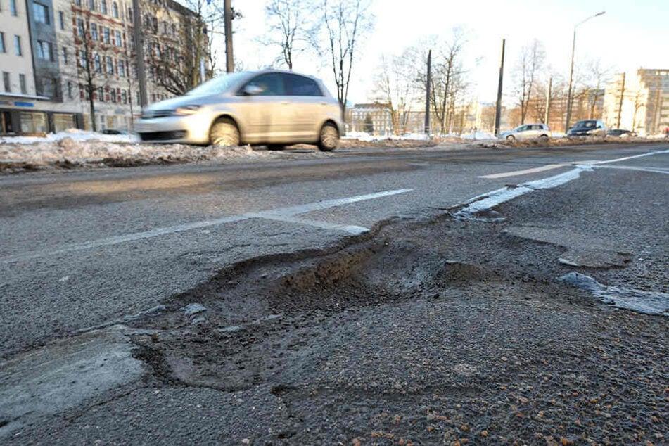 Besonders die Augustusburger Straße muss nach dem Extremwinter dringend saniert werden.