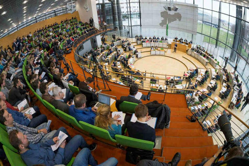 Der Landtag muss das Bundesgesetz auf Landesebene umheben. Zunächst berät am Freitag der Sozialausschuss dazu.