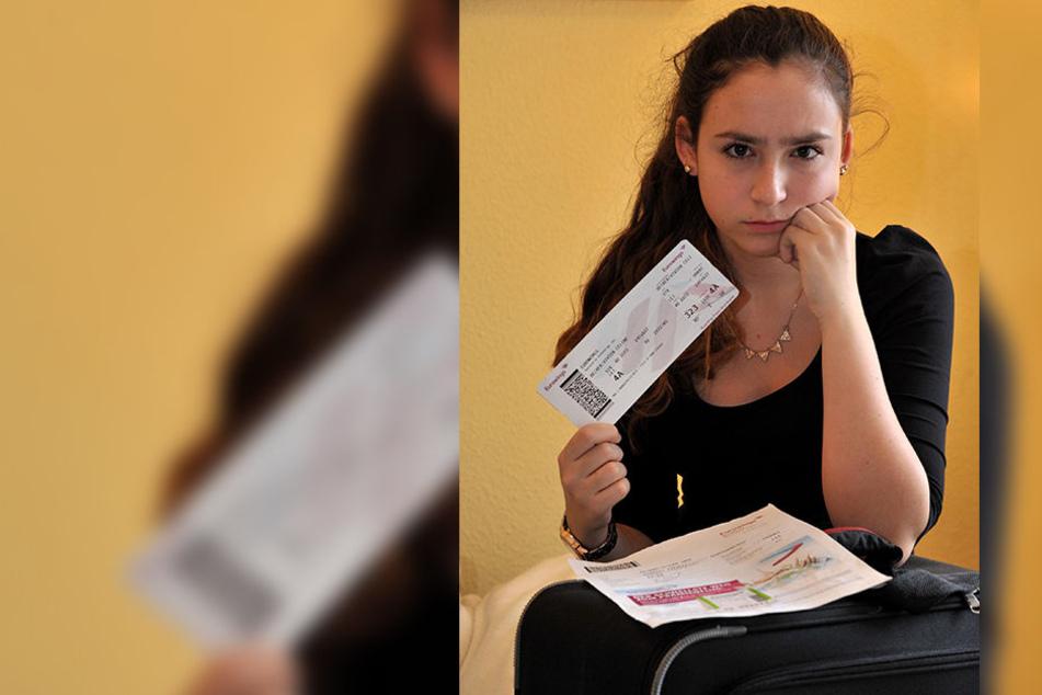 Vivien (13) mit Ticket und Buchungsbestätigung. Trotzdem durfte sie nicht  mitfliegen. Der Pilot flog ohne sie los.