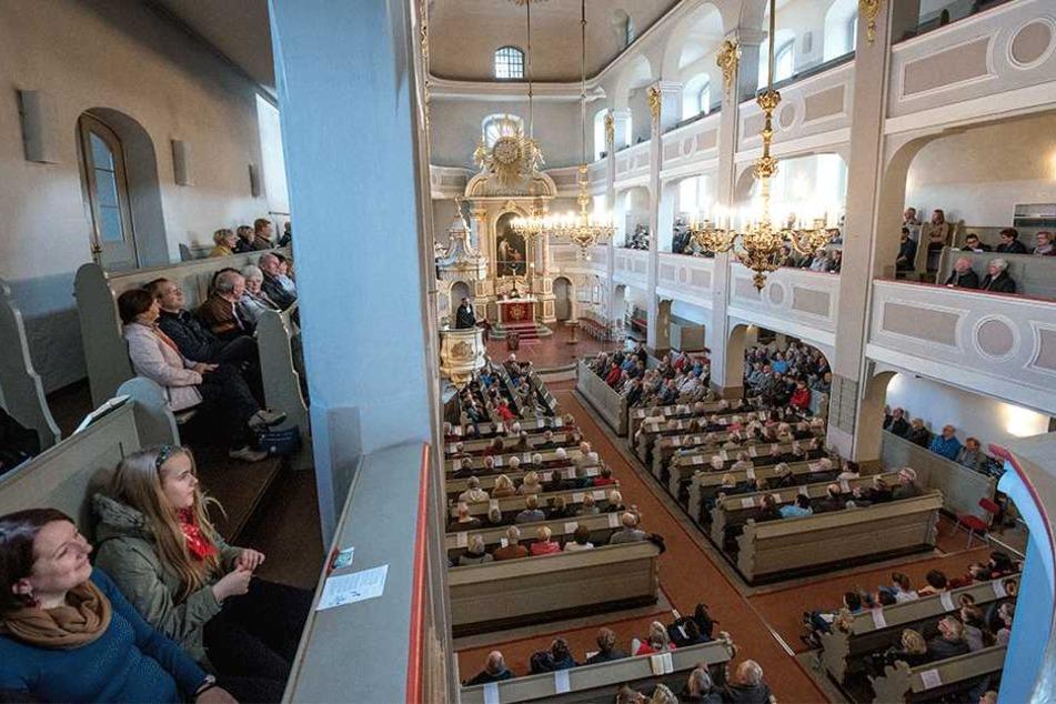 Der Festgottesdienst in der Marienkirche war gestern ungewöhnlich gut  besucht.