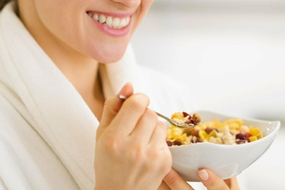 Früh ein gesundes Müsli? Bei den gestiegenen Preisen von Seitenbacher denkt man da lieber zweimal nach. (Symbolbild)
