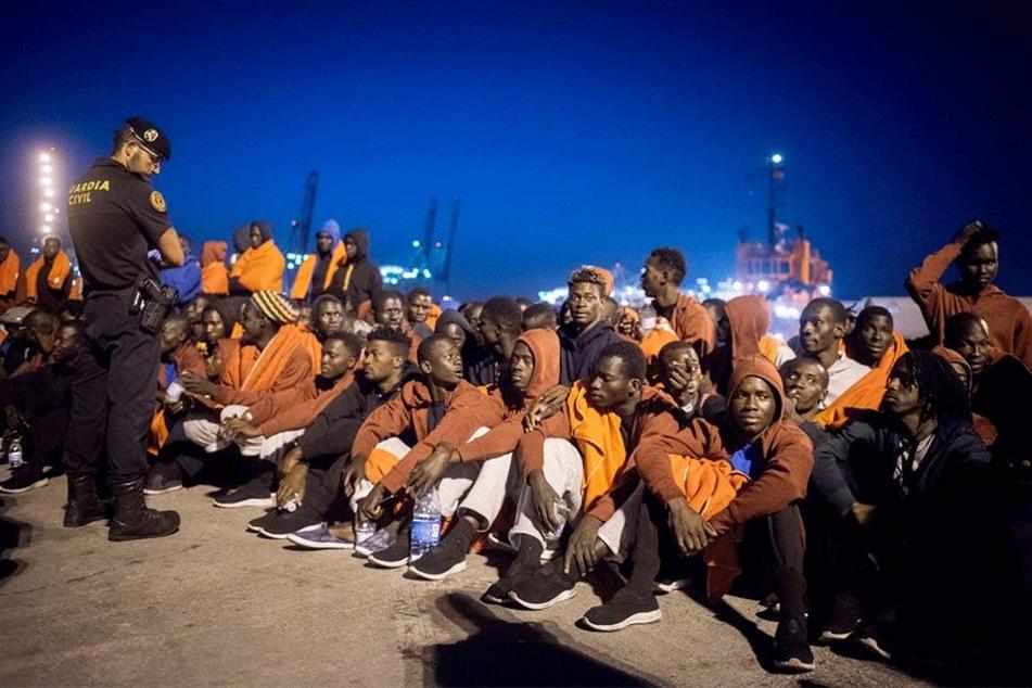 Flüchtlinge in Spanien: Über den globalen UN-Pakt ist ein heftiger Streit entbrannt - auch in Sachsen.