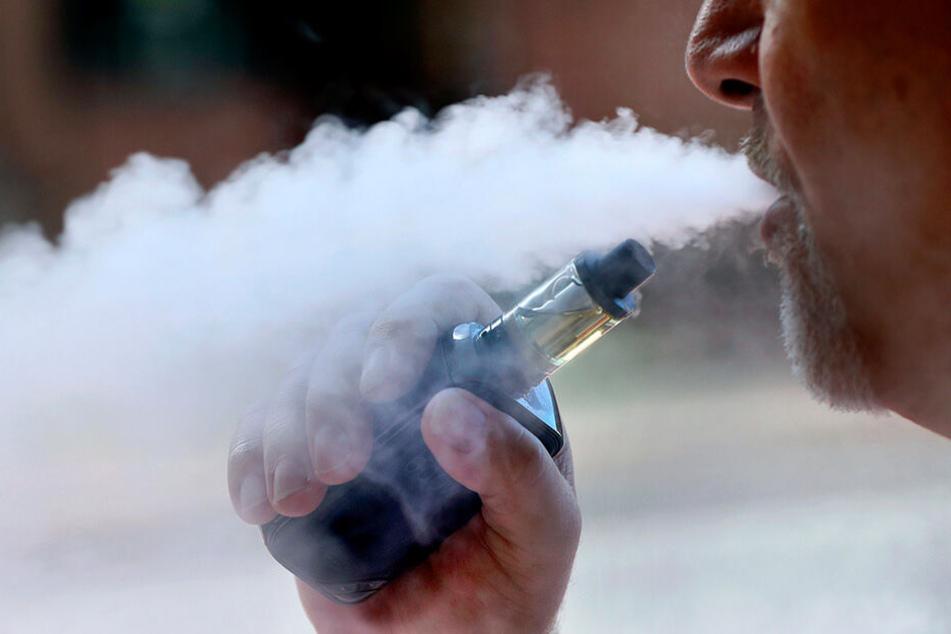 Die Zahl der Todesfälle in Zusammenhang mit dem Gebrauch von E-Zigaretten in den USA ist auf 18 gestiegen.
