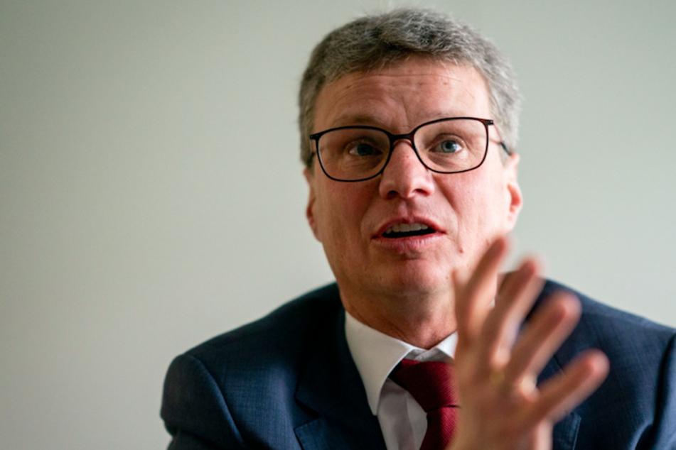 Minister Bernd Sibler (50, CSU) muss nun eine Strafe zahlen.