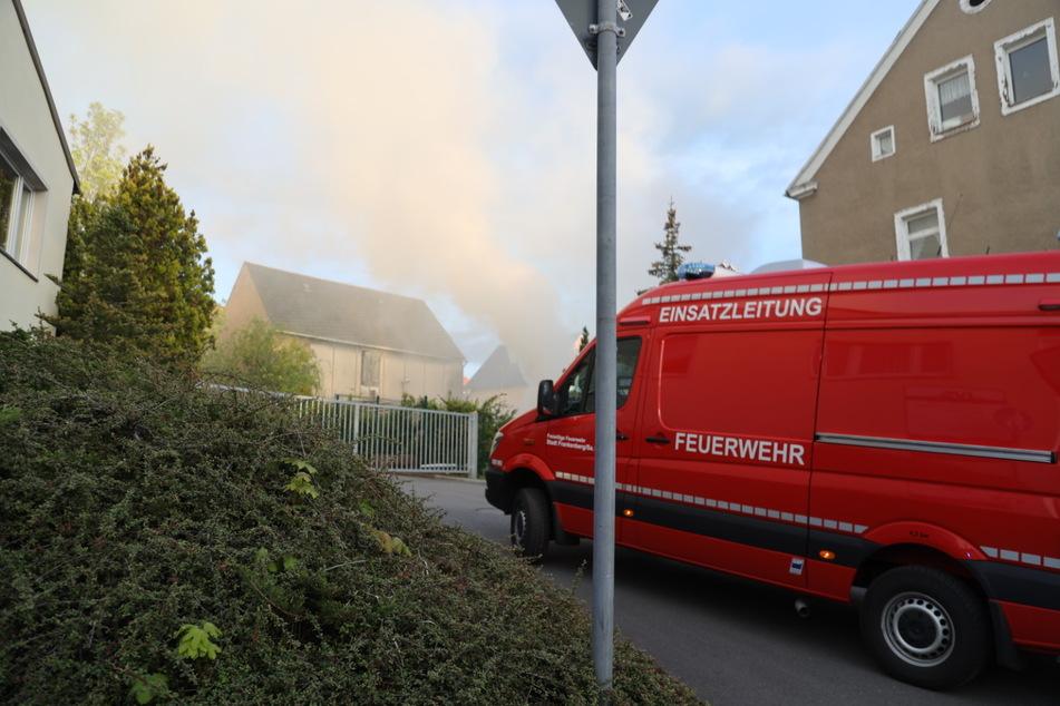 Eine Rauchwolke war am Dienstagabend über Frankenberg zu sehen.