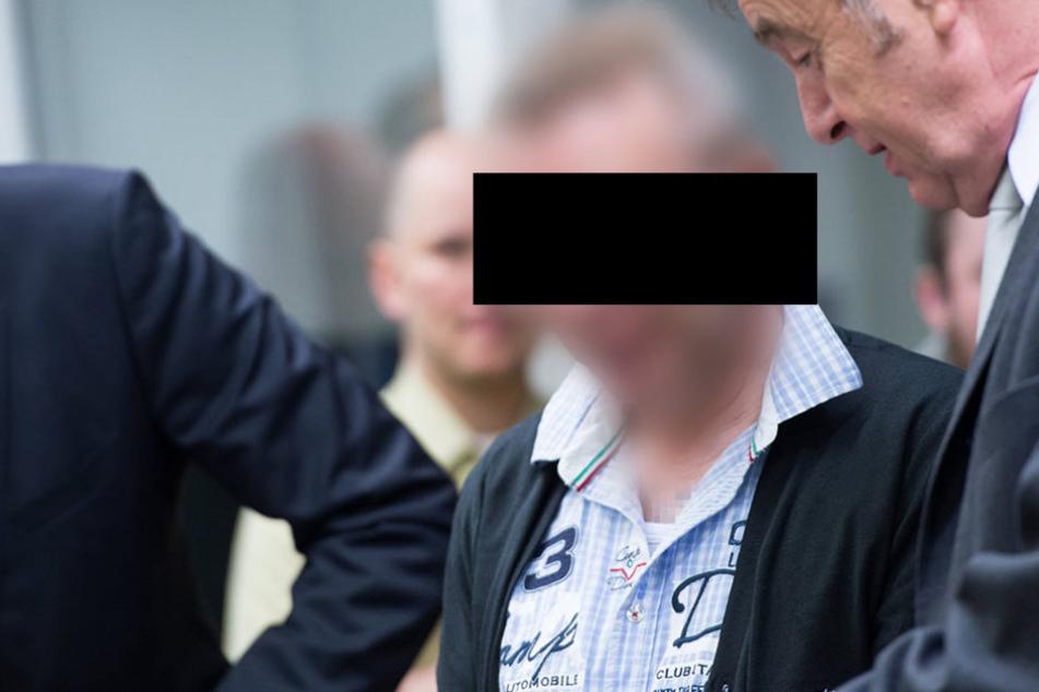 """Der Anführer der """"Oldschool Society"""", Andreas H.,  vor dem Oberlandesgericht in München."""