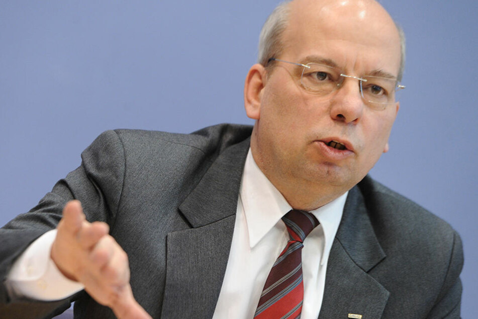 Rainer Wendt steht mächtig unter Beschuss: Hat er Polizeigelder und damit Steuern veruntreut?