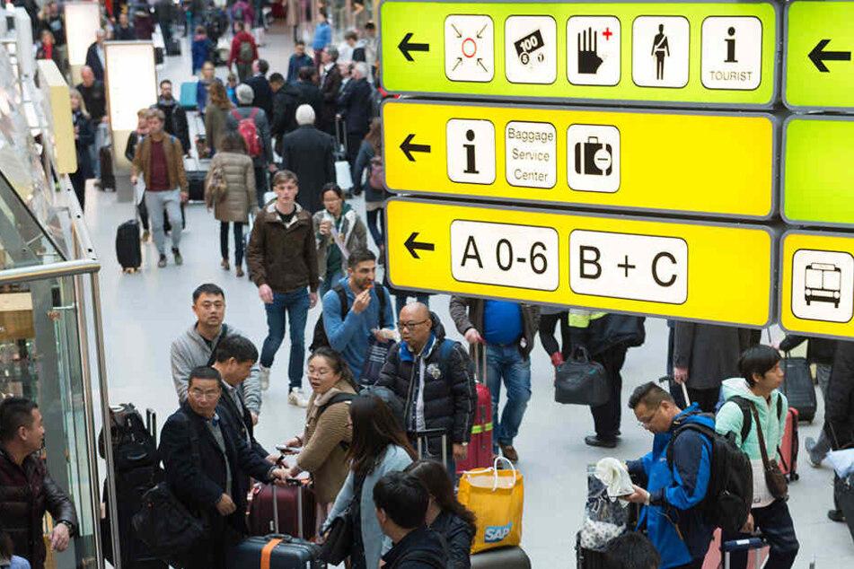 Ginge es nach den Berliner Politikern würde Tegel weiterhin offen für Passagiere bleiben.