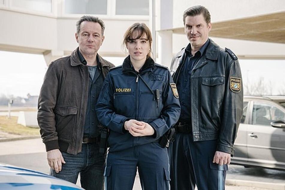 Norman Hacker (als Christian Strasser, l.), Verena Altenberger (als Elisabeth Eyckhoff, m.) und Andreas Bittl (als Wolfgang Maurer, r.)
