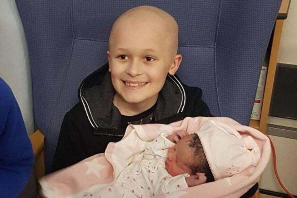 Bailey Cooper (†9) wollte unbedingt nochmal seine kleine Schwester in den Armen halten, bevor er stirbt.