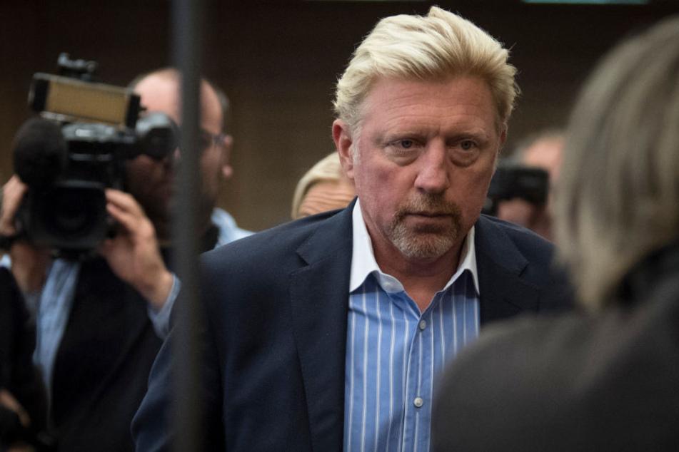 Der Schuldenberg von Boris Becker (49) wächst und wächst: Da nützt ihm  auch sein neuer Job beim Deutschen Tennisbund nichts: Dort verdient er nämlich  null Euro.