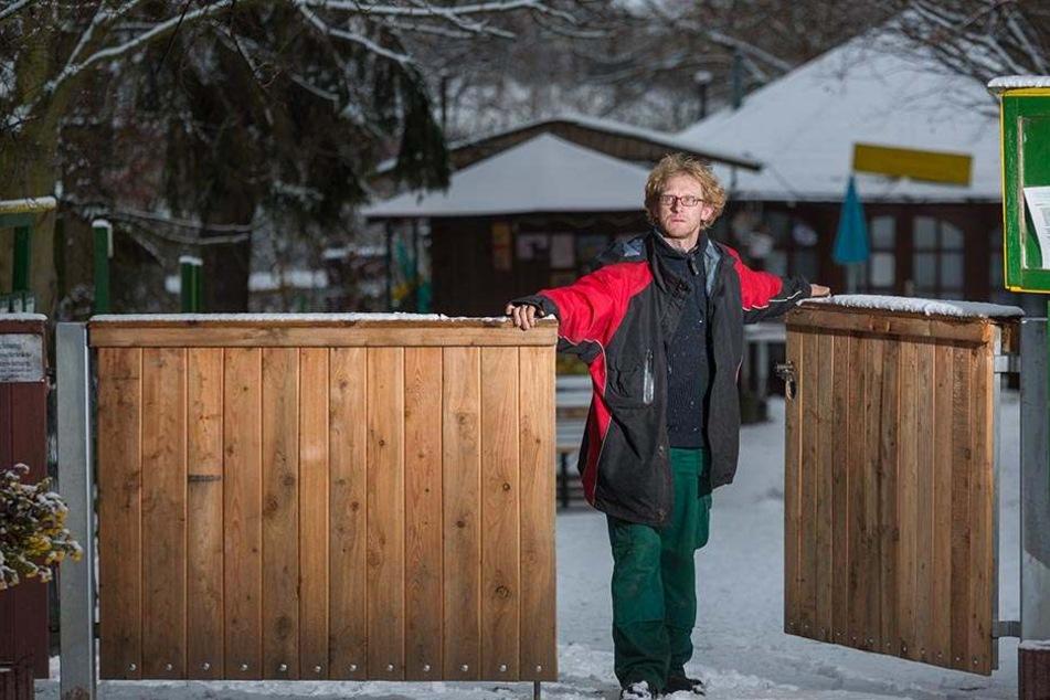 In seinem Tierpark nimmt Chef Sven Näther (41) seltene Tiere auf.