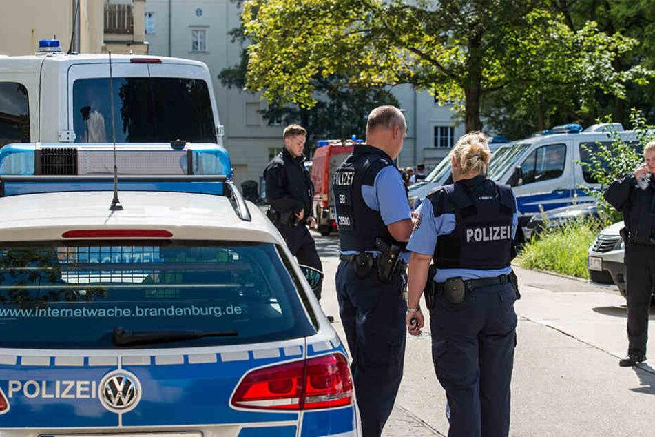 Das SEK hat inEisenhüttenstadteinen 27-jährigen Mann festgenommen.