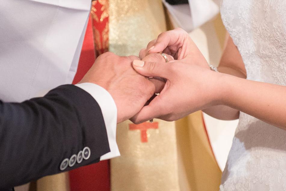 Die richtige Planung kann helfen, damit Ihr Euch am Hochzeitstag ganz auf Euch konzentrieren könnt.