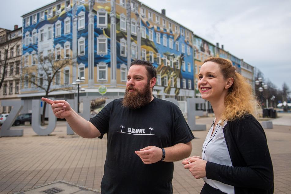 """Steve Conrad (29) und Jenny Gärtke-Braun (32) organisieren die Facebook-Gruppe """"Nachbarschaftshilfe Bruehl""""."""