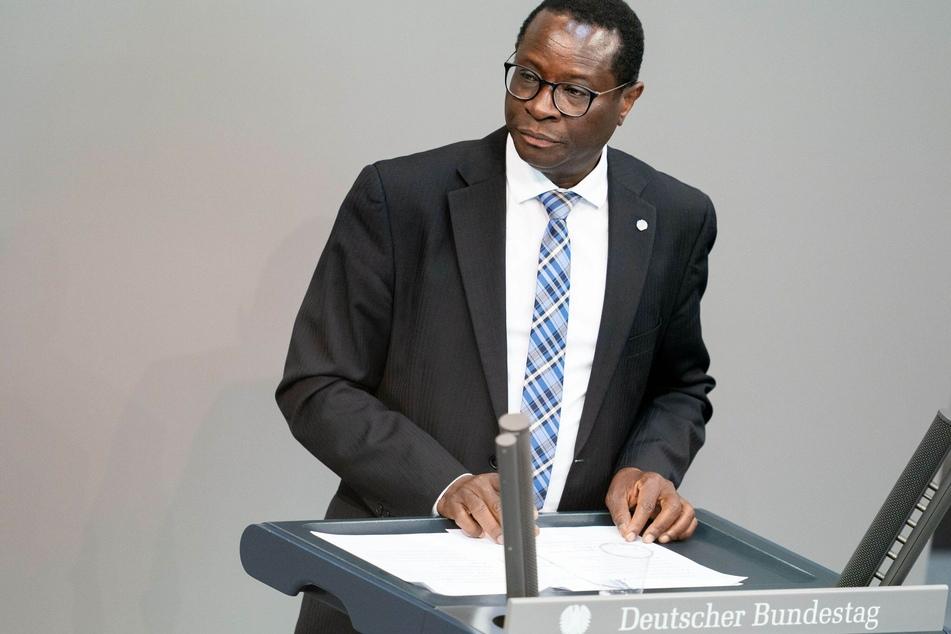 SPD-Politiker Karamba Diaby (58) im Bundestag.