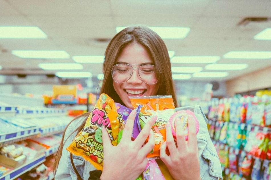 Welche dieser 90er Jahre Süßigkeiten kennst Du noch aus Deiner Kindheit?