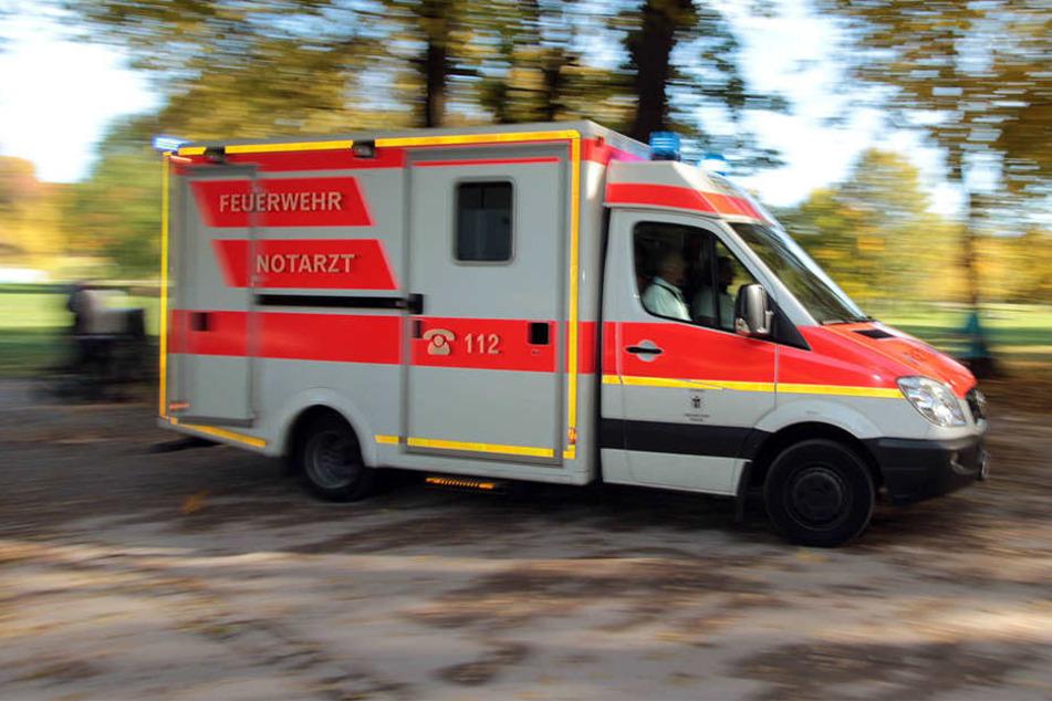 Im Landkreis Nordsachen ist ein 38-Jähriger bei einem Autounfall tödlich verunglückt. (Symbolfoto)