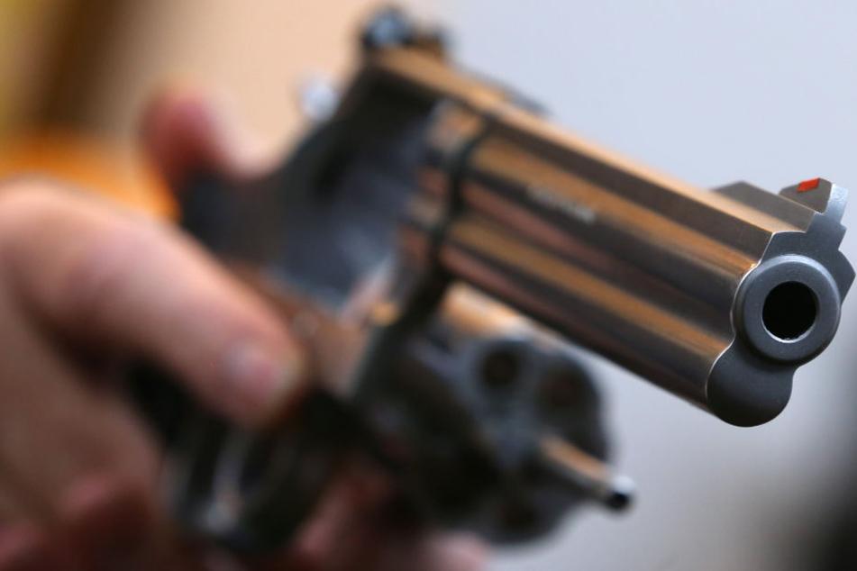"""Rund 690 Waffen wurden """"Reichsbürgern"""" in Bayern abgenommen. (Symbolbild)"""