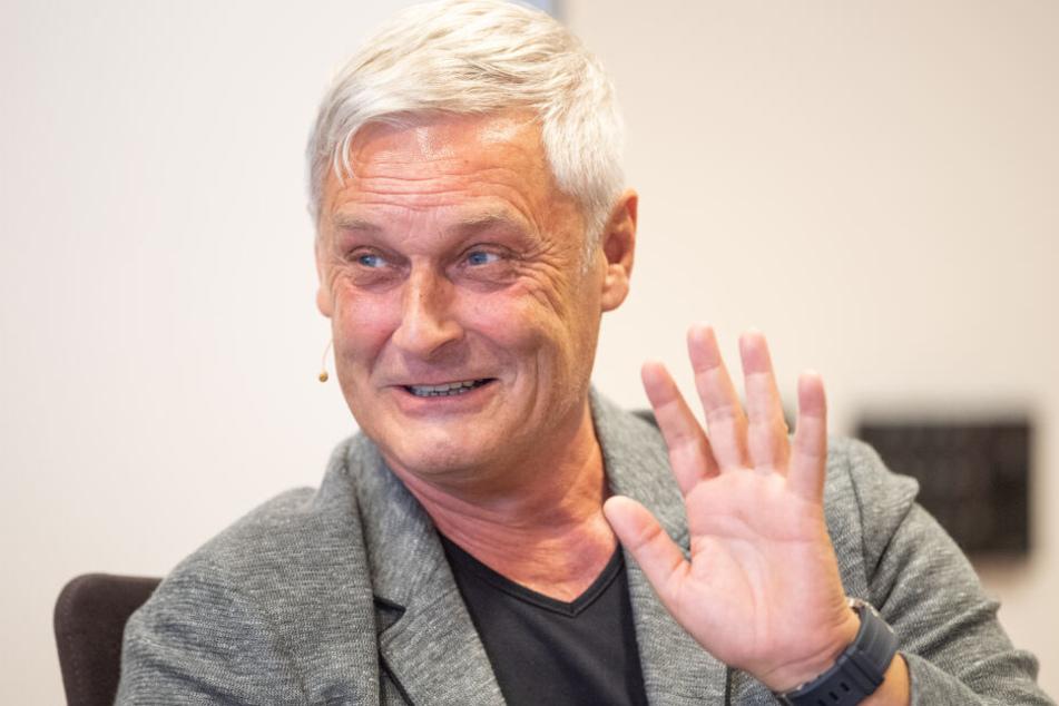 Seit der Vertragsauflösung mit Armin Veh (58) am 8. November sucht der FC dessen Nachfolger.