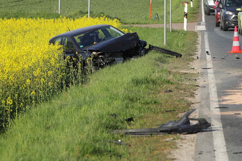 Heftiger Crash bei Dresden: Auto schleudert in entgegenkommenden Audi