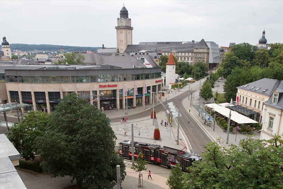 Auf dem Postplatz in Plauen hat es vergangene Nacht eine brutale Schlägerei gegeben. (Symbolbild)