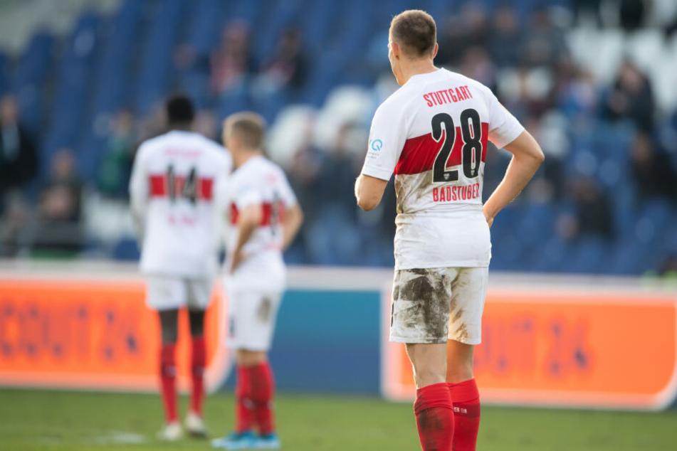 Nach dem Spiel gegen Hannover: Holger Badstuber (vorne) steht auf dem Spielfeld.