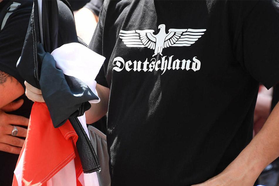 Unbekannte sollen in der Nacht zu Samstag rechtsradikale Parolen in der Goldsternstraße skandiert haben (Symbolbild).