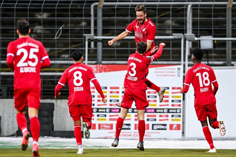 Ex-Dynamo Lucas Röser schießt sich den Torfrust mit Doppelpack gegen Magdeburg von der Seele!