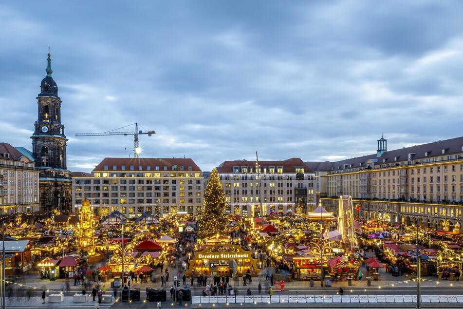 Blick auf den Dresdner Striezelmarkt.