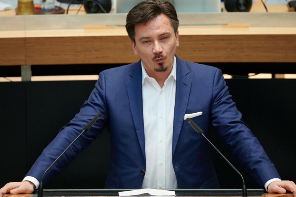 Marcel Luthe spricht im Berliner Abgeordnetenhaus.