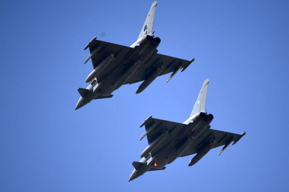 Zwei Eurofighter der Luftwaffe flogen über Köln (Symbolbild).