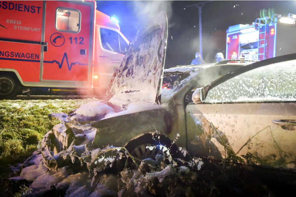 Durch Glatteis landete ein Auto am Mittwoch bei Wettringen im Graben.