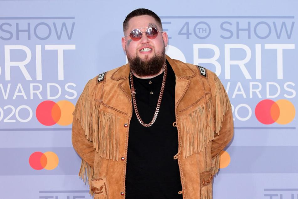 Seine Hits sind nach all den Jahren noch echte Ohrwürmer! Auch privat soll es bei dem Musiker Rag'n'Bone Man (35) endlich wieder laufen.