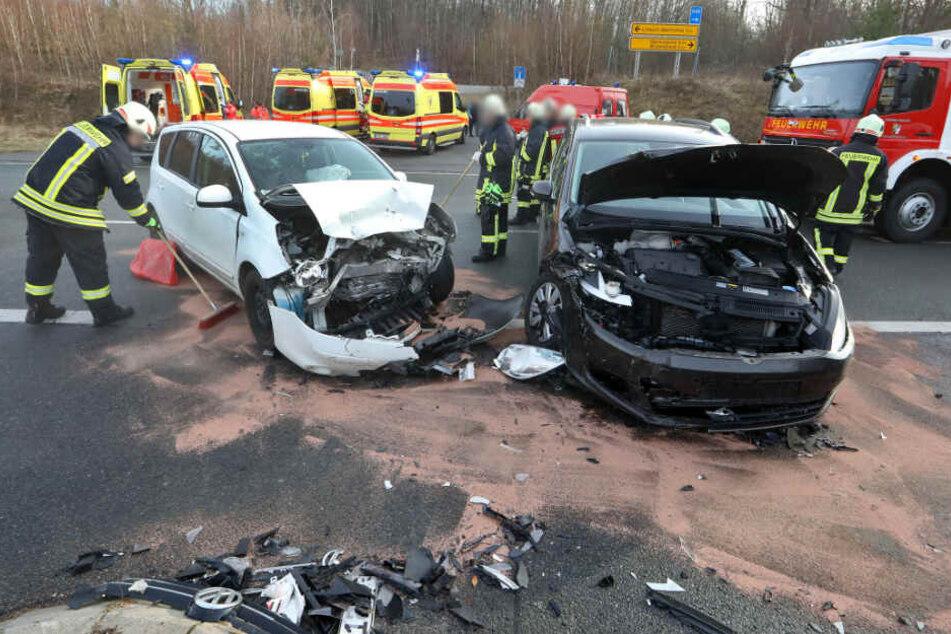 Zwei heftige Unfälle: Mehrere Verletzte, darunter zwei Kinder