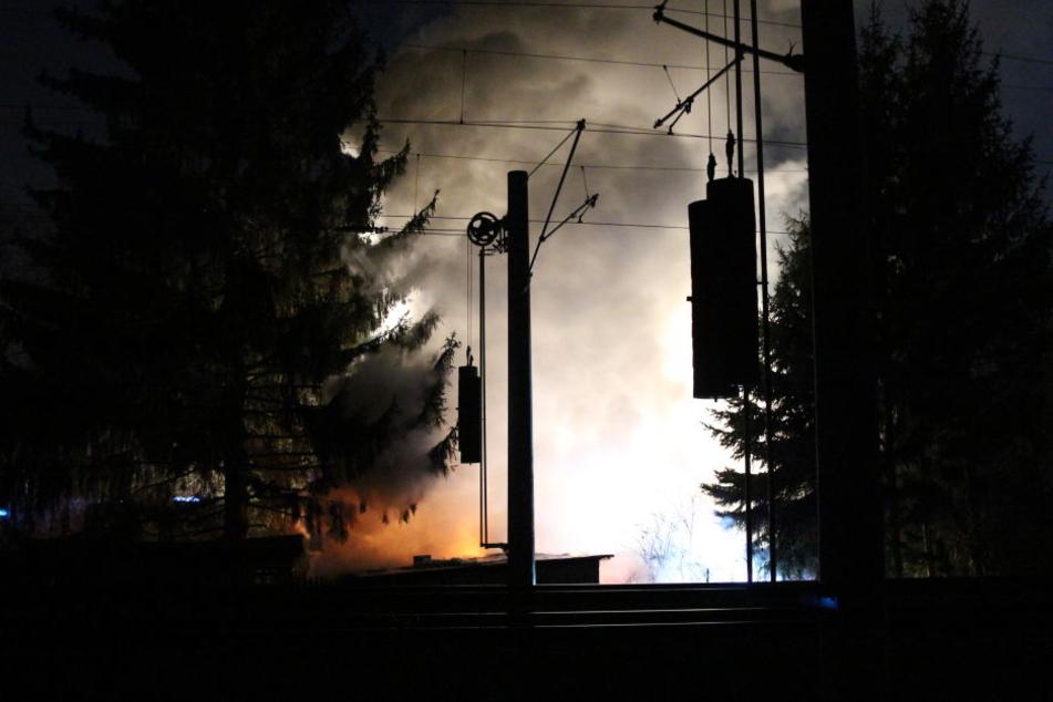 Der Feuerwehr war zunächst ein unklarer Feuerschein gemeldet worden.