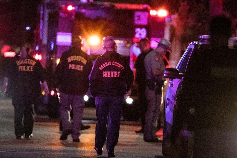 Schießerei in den USA: Zwei Menschen tot und fünf Polizisten verletzt