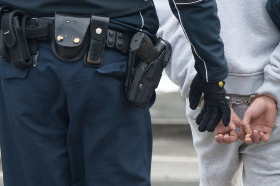 Die Polizei konnte einen 33 Jahre alten Tatverdächtigen festnehmen. (Symbolbild)