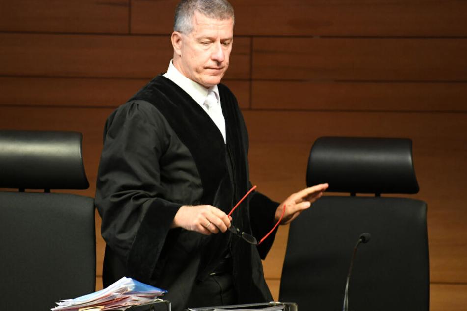 Der Vorsitzende Richter Stefan Bürgelin vor Prozessbeginn im Landgericht. (Archivbild)