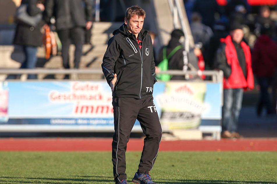 Einheit-Coach Frank Rietschel gratulierte den Gästen sportlich fair.