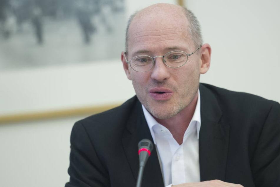 Energie-Experte der Fraktion Die Linke, Michael Efler, kritisiert, dass vor allem armen Familien zu leicht der Strom abgedreht werden kann.