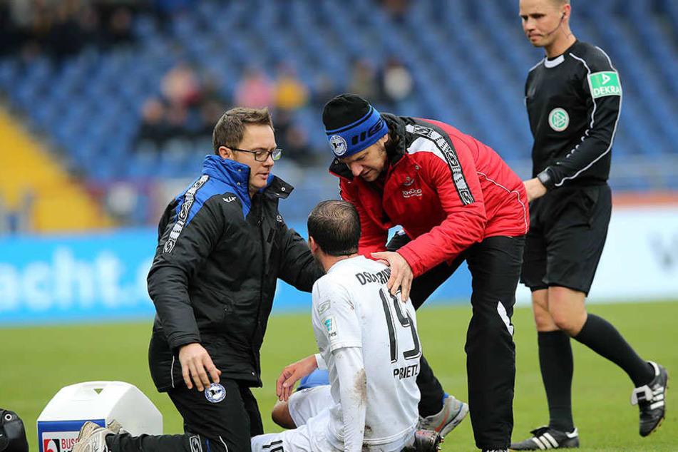 Bei einem Zweikampf hatte sich Prietl am Sonntag verletzt.