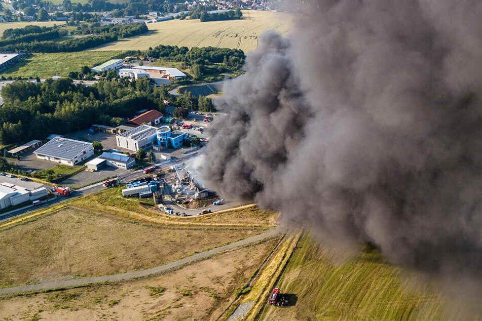 Eine schwarze Rauchwolke zog Richtung Lengenfeld. Wie viel Gift drin war, ist noch unbekannt.