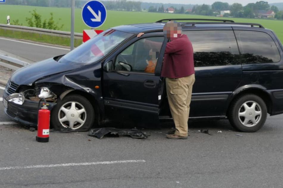 Die Insassin des Opels wurde bei dem Aufprall leicht verletzt.